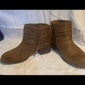 Torrid ankle boots 11W